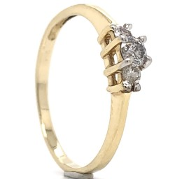 The Mora Three Stones Engagement Ring in 14kt Yellow Gold