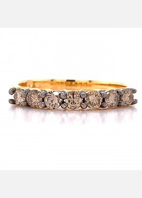 The Linora Diamond Band in 14kt Rose Gold